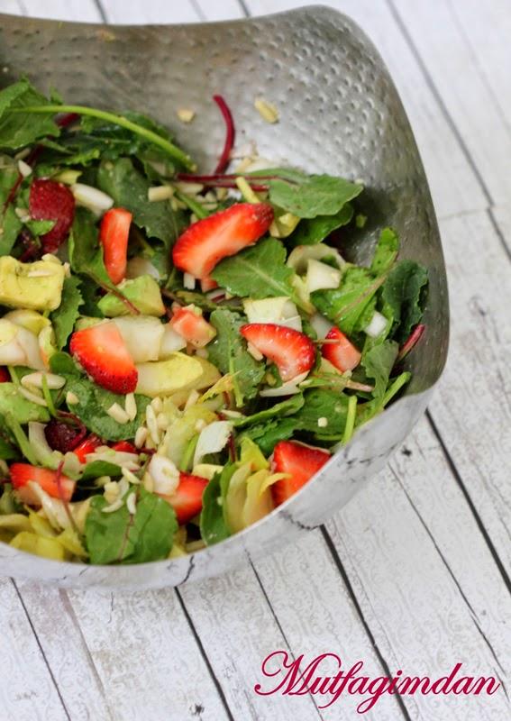 beyaz-hindiba-salatasi